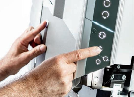 Komax Alpha 530 - автоматическая линия для обработки проводов с возможностью опрессовки: включение