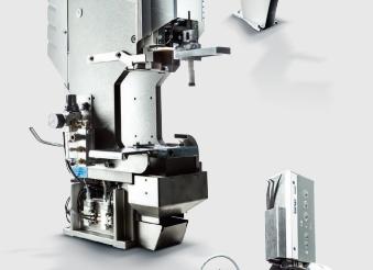 Komax Alpha 550 - автоматическая линия для двухсторонней опрессовки и установки уплотнителя: фото деталей