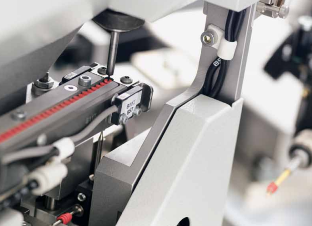 Komax mci 761 - модуль установки уплотнителей: процесс обработки