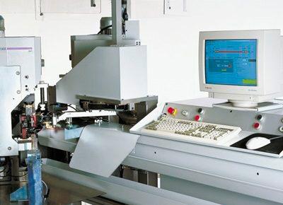 Komax Alpha 433 H – станок для комплексной обработки проводов больших сечений: компьютеризированное управление