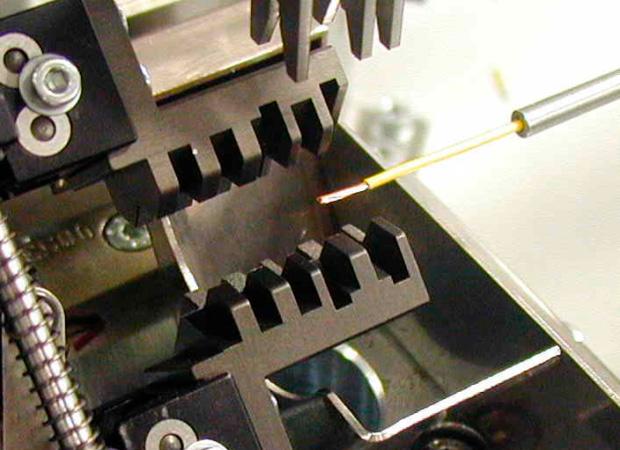 Komax mci 782 - модуль для подкрутки жилы провода: подача